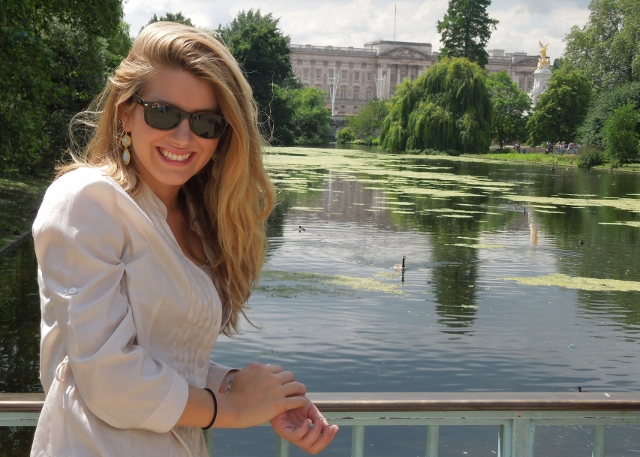 Emily Smith in front of Buckingham Palace